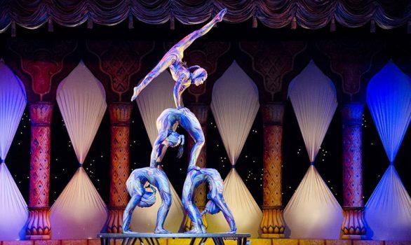 acrobats teamwork